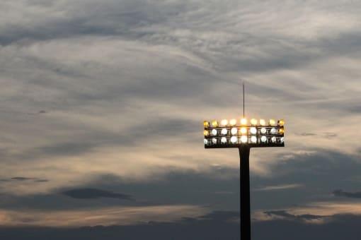蒲郡競艇場 照明 暗い