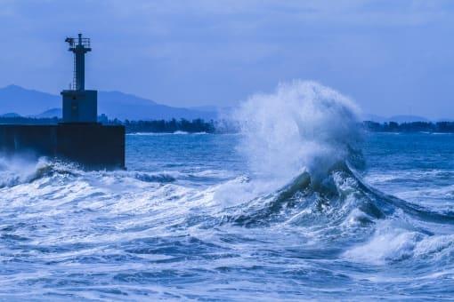 競艇のレースに風が与える影響とは?風向きや風速を読んで予想に活かそう